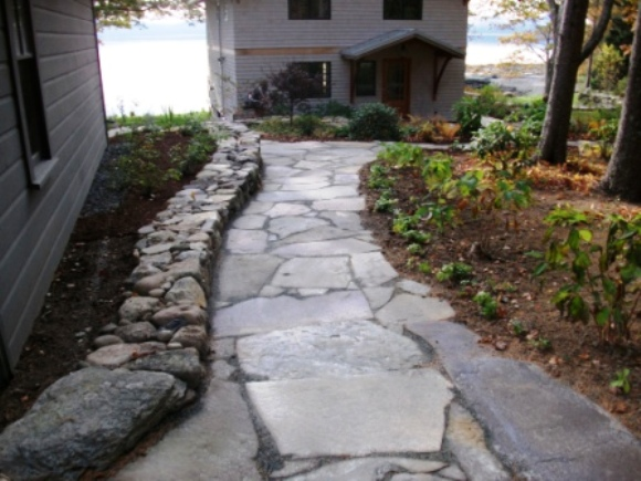 Walkways by natural earth garden designs - Garden pathway design ideas with some natural stones trails ...